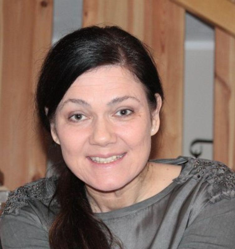 Schauspielerin parship Cosma Shiva